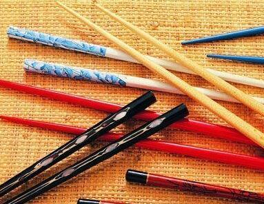 """筷子竟是身邊的1級致癌物 三招幫你延長筷子""""壽命"""""""
