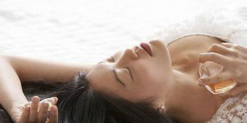 女人阶段性的生理性乳房胀痛
