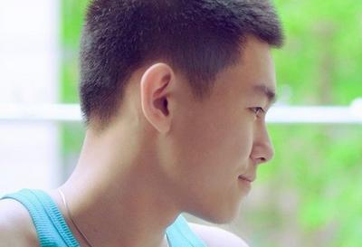 青春期男生皮肤保养