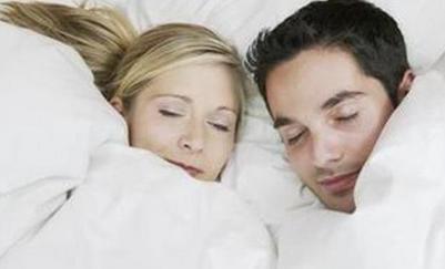 男人的睡姿与性需求的关系