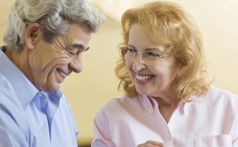 老年人缺钙吃什么食…