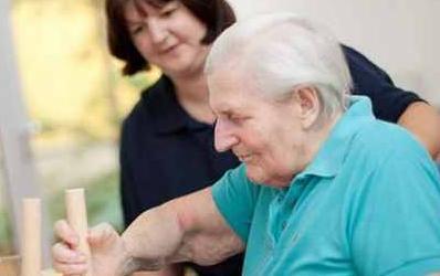 如何照顾偏瘫老人