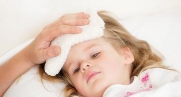 小孩发烧呕吐怎么办