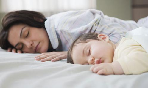宝宝睡觉老是哼哼唧唧