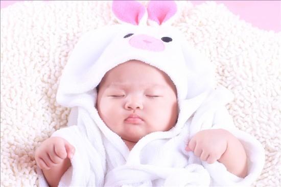 一个月婴儿补钙吃什么好