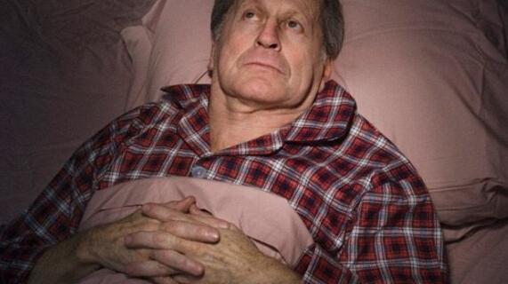老人晚上失眠怎么办