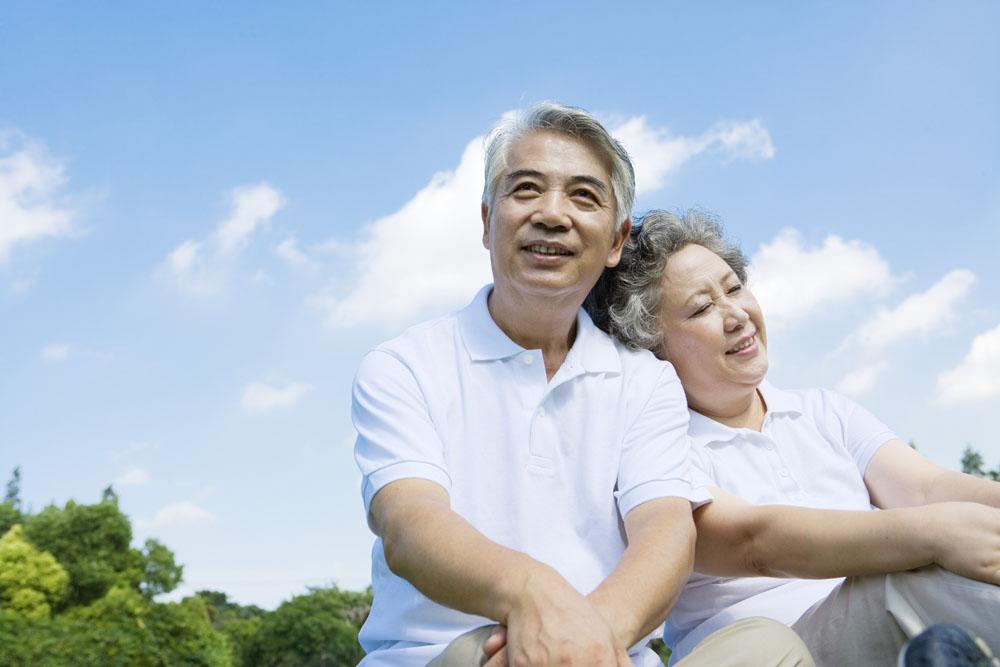 老年夫妇怎样保持幸福生活
