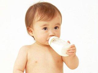 两个月的婴儿吃多少毫升奶粉