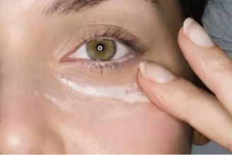 怎样快速去除眼袋黑眼圈