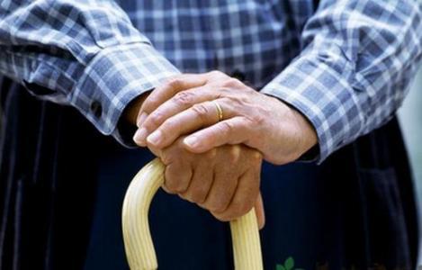 老人骨质增生如何运动才安全