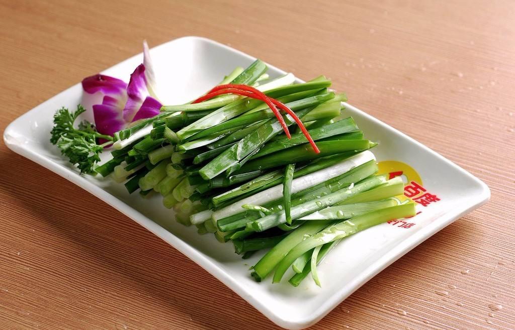 怀孕初期可以吃韭菜吗