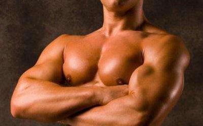 如何练胸肌最快出型