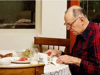 老年人夏季饮食要注意哪些禁忌