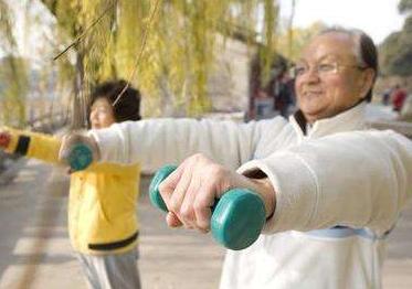 老人晨练的养生价值是什么