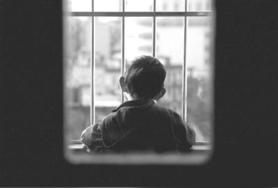 小孩轻度自闭症的表现