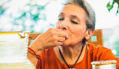 老年人经常吃哪些食物对皮肤好呢