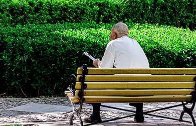 老人经常便秘是怎么回事啊
