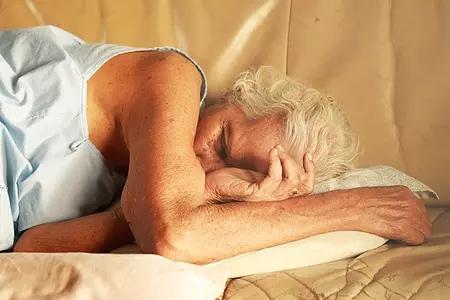 老年人失眠的食疗方式都有哪些