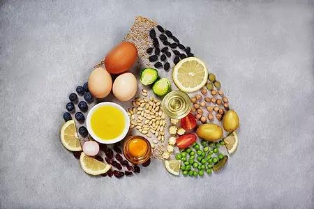 适宜老年人的水果坚果及糕点