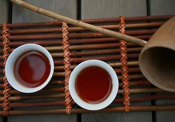 老年人饮茶与钙流失的关系