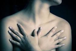 胸部下垂外扩怎么办呢