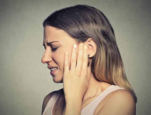 耳鸣是什么原因引起的?