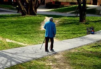 老年人腿麻木怎么回事