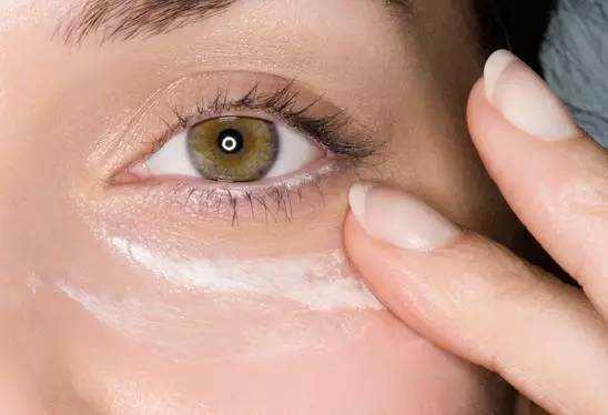 去除眼部皱纹好方法
