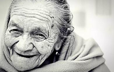 老人减少皱纹的习惯