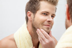男人脸上毛孔粗大该怎么办