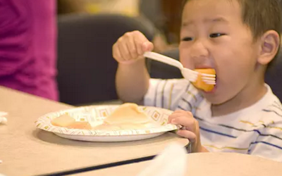 小孩肠胃不好怎么调节