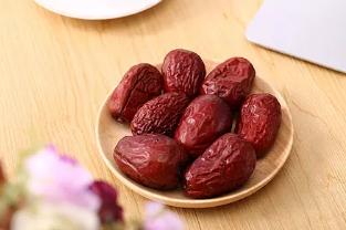 男人吃什么水果可以补肾