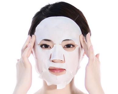贴完面膜后要洗脸吗