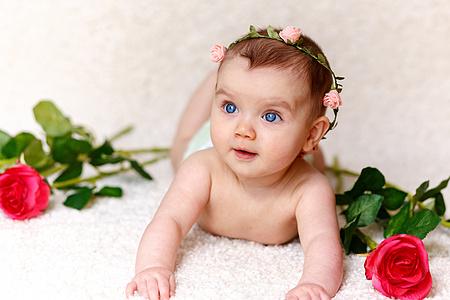 婴儿几个月可以吃辅食