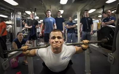 怎样练肌肉最快最有效