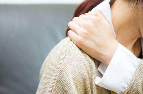 肩膀酸痛是怎么回事