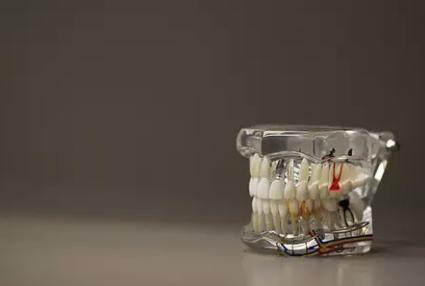 老人掉牙怎么办