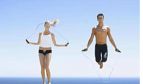 跑绳减肥会伤膝盖?多大体重的要告别跳绳
