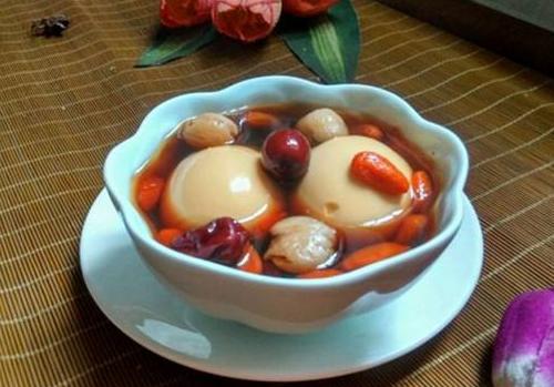 冬季养生药膳 归芪红枣汤