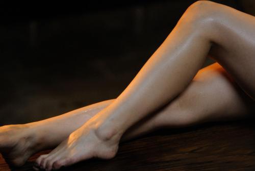 日常需做好腿部保养,防止未老先衰