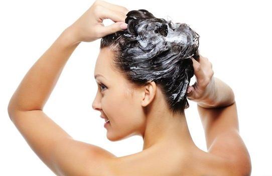 经期洗头不会致癌,但是这类女人最好别洗!