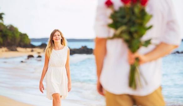 男性暗戀女性會有哪些表現?